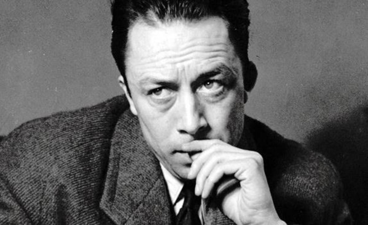 Prefer să-mi trăiesc viaţa crezând că Dumnezeu există şi când mor să aflu că de fapt nu există - Albert Camus