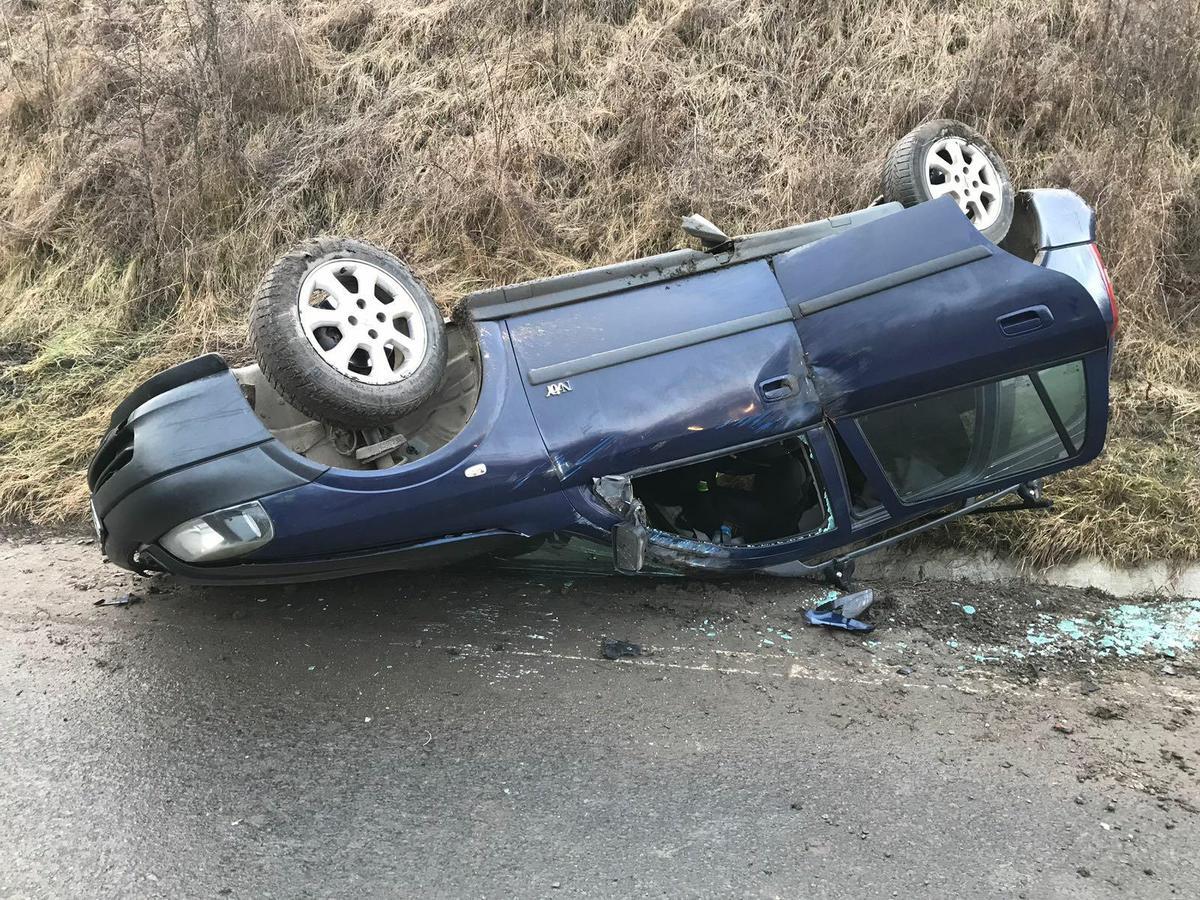FOTO - Accident la Șaroșu pe Târnave. 3 persoane au fost rănite