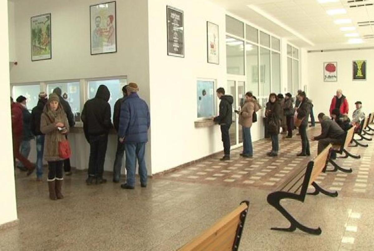 Aproape 170.000 de lei încasați în prima zi de plată a impozitelor, la Mediaș