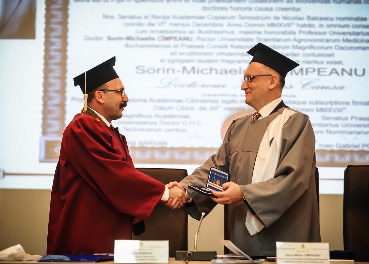 Sorin Cîmpeanu, fostul ministru al Educaţiei, distins cu titlul de Doctor Honoris Causa al Academiei Forţelor Terestre