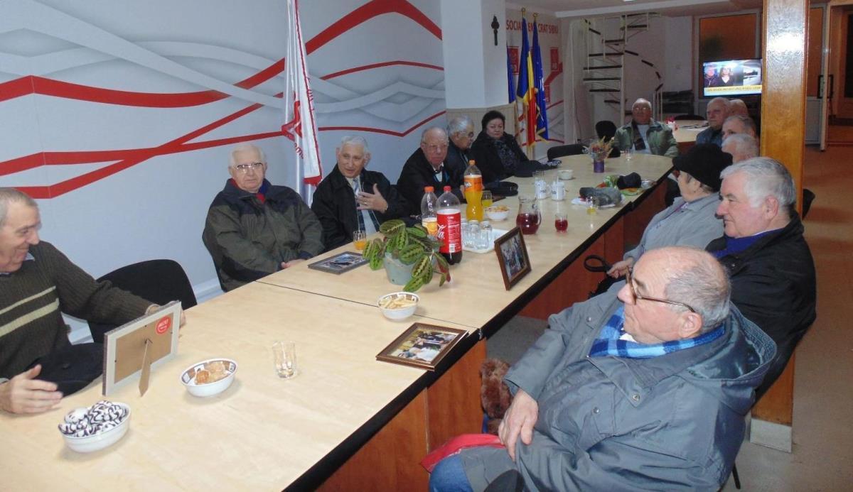 PSD Sibiu: întâlnire cu cei care şi-au sărbătorit Nunta de Aur