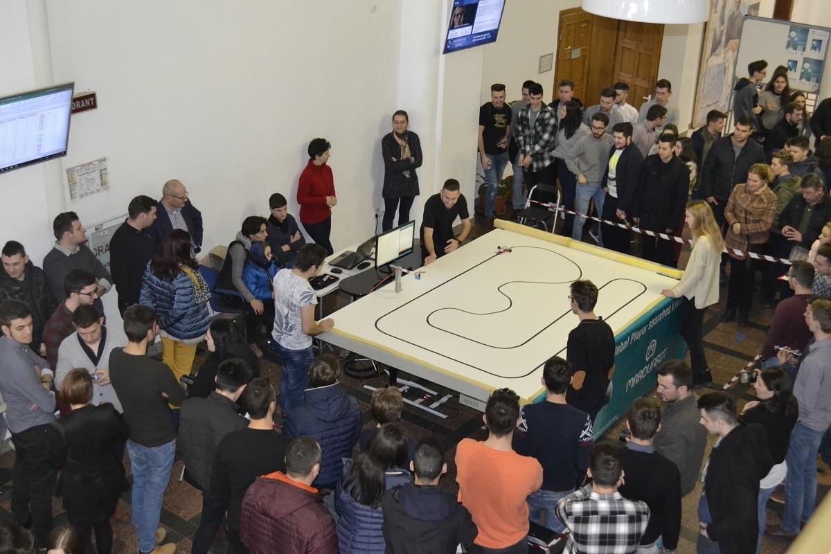 Studenţii din Iaşi au câştigat prima etapă a Campionatului de Robotică, la ULBS