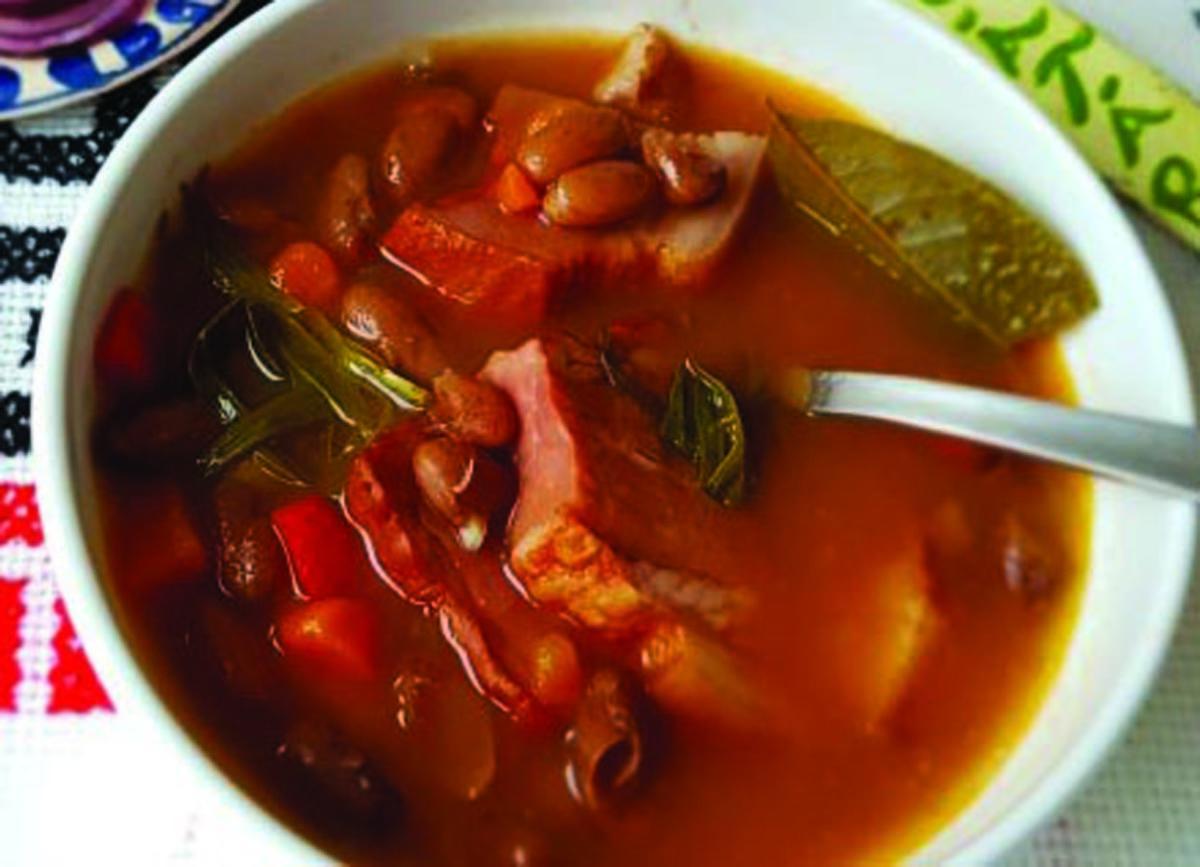 Supa cu fasole şi şuncă