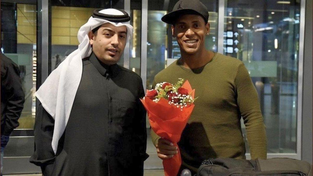Viitorul lui Eric e în... Qatar. Aşteptat cu flori la aeroport