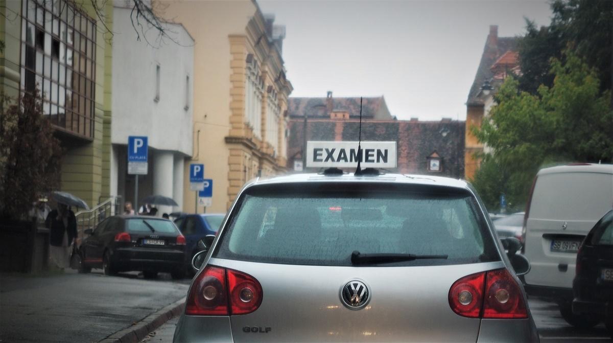 Examenul pentru redobândirea permisului auto, reprogramat