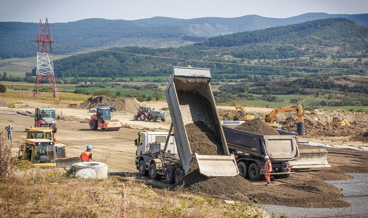 Autostrada Sibiu – Piteşti: joi ar putea fi desemnaţi constructorii primilor kilometri