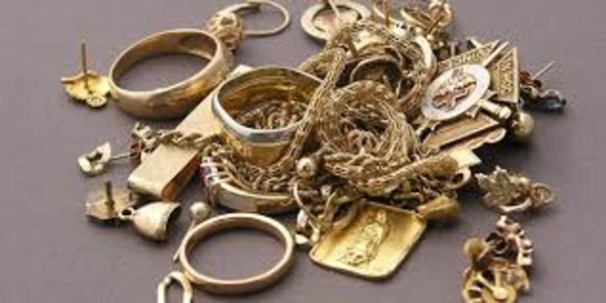 Ceasuri și bijuterii de 4.000 de lei, furate dintr-o locuință din Mediaș
