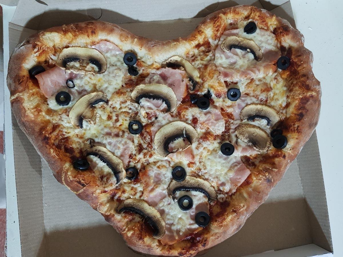 Cine a câştigat pizza în formă de inimă?