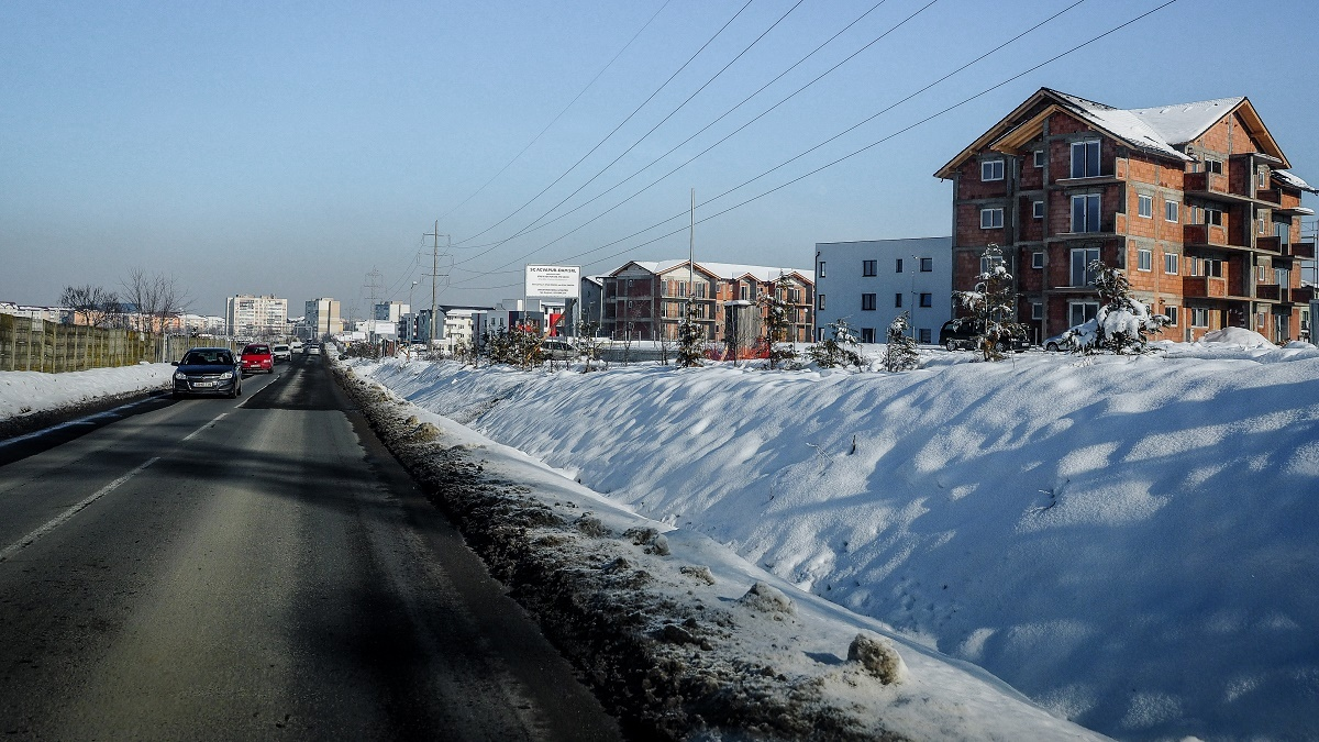 Drumul spre cartierul Arhitecților nu poate fi modernizat pentru că este întabulat pe numele proprietarilor. Exproprierile, una dintre soluții