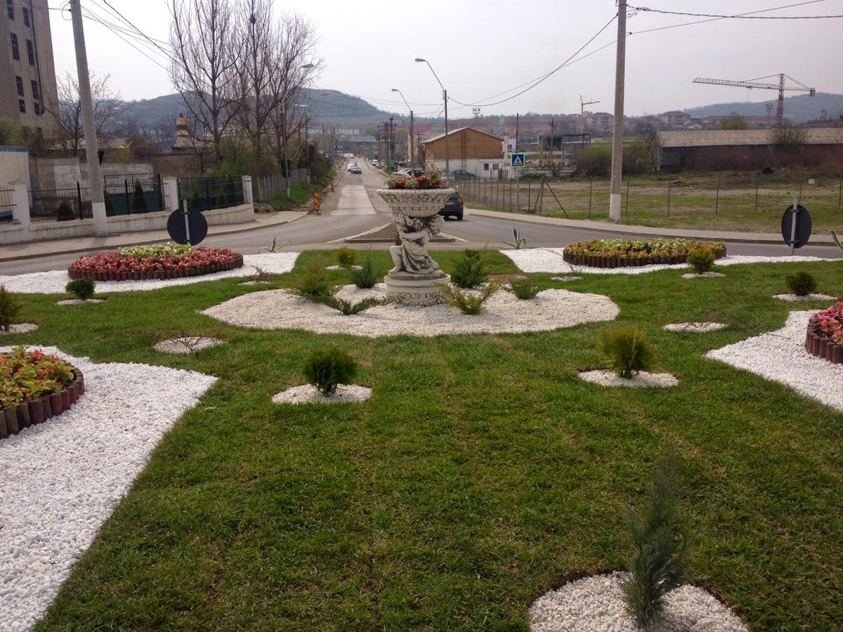 Sens giratoriu la intrarea în Mediaș dinspre Sibiu