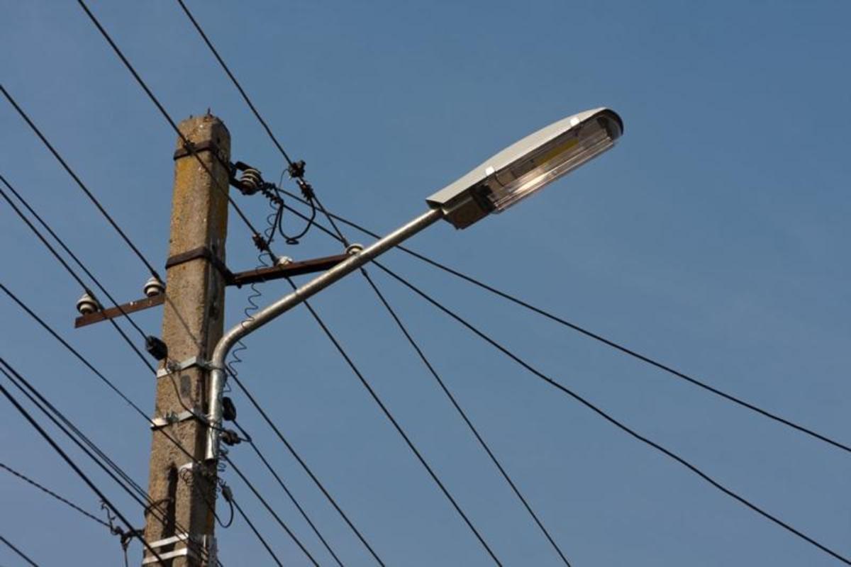Două străzi din Mediaș vor avea rețele noi de iluminat