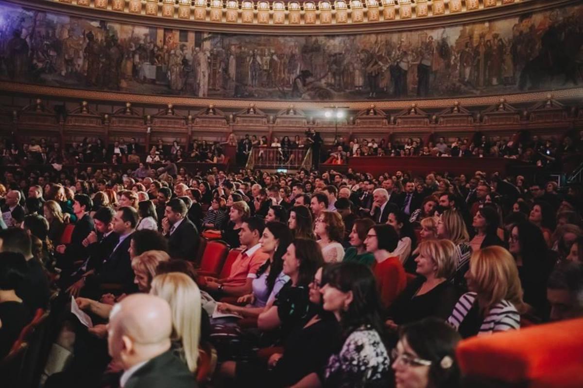 Județul Sibiu, reprezentat în finala Galei Naționale a Excelenței în Asistență Socială de opt asistenți sociali, Fundația UCOS și Structura Teritorială CNASR Sibiu