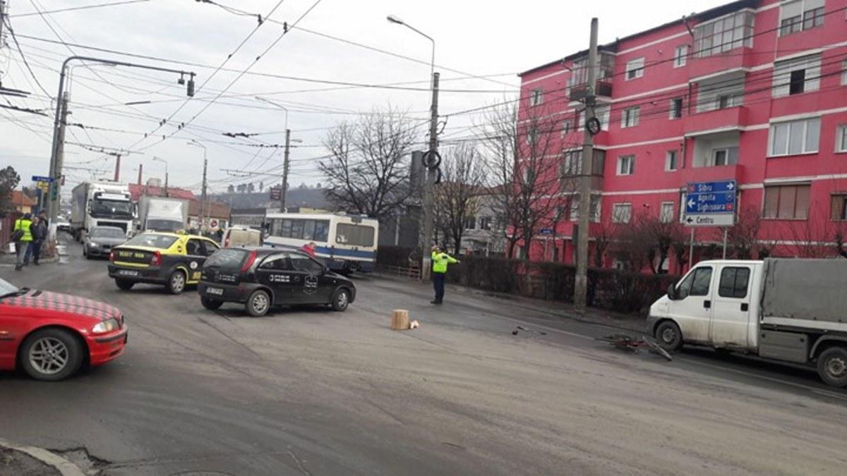 Accident în Mediaș: biciclist băut lovit în intersecție