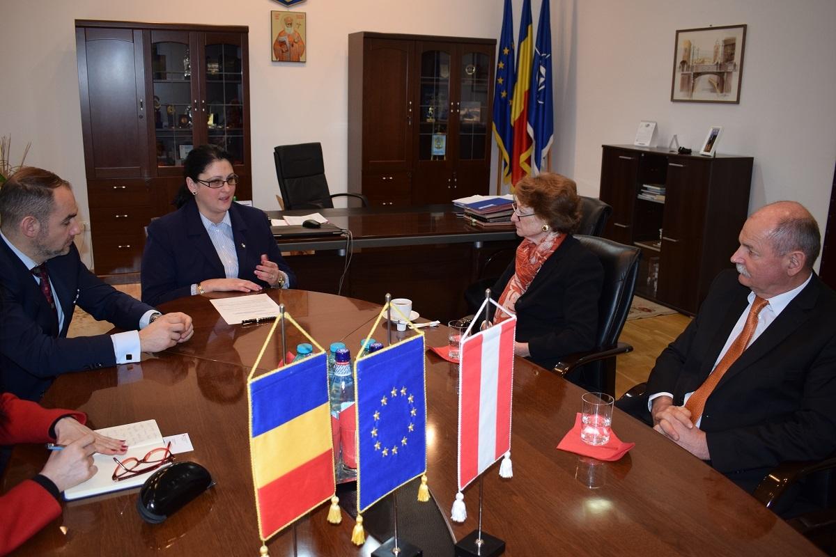 Ambasadorul Austriei s-a întâlnit cu prefectul Sibiului
