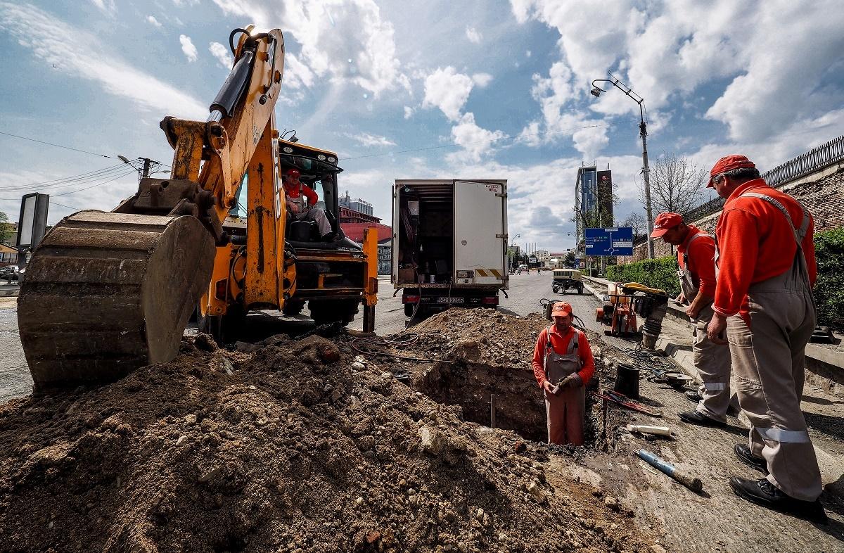 FOTO. Primăria Sibiu a început lucrările pe Bulevardul Coposu. Trafic închis tot week-endul