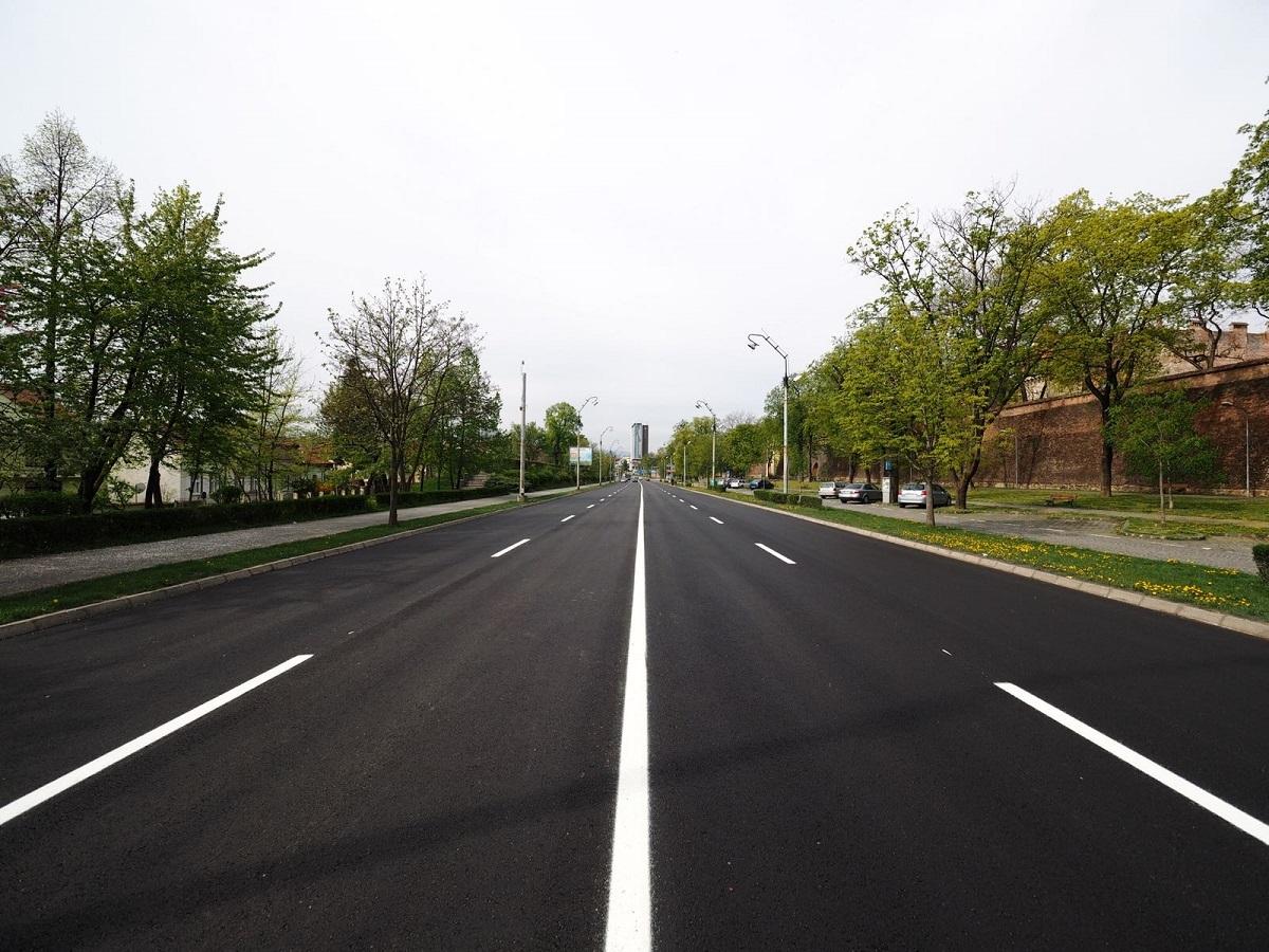 Bulevardul Coposu are asfalt nou. Traficul s-a redeschis duminică