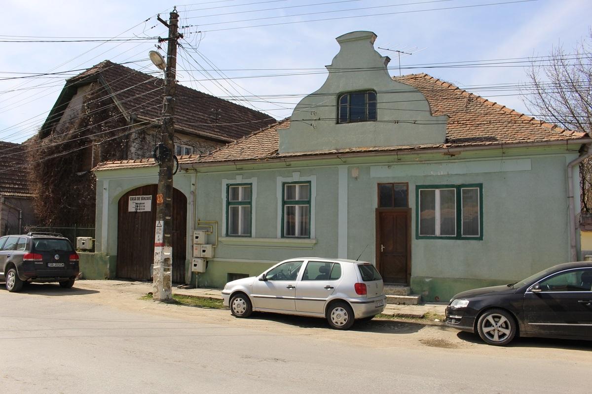 Primăria Avrig se va extinde într-un imobil recent achiziţionat