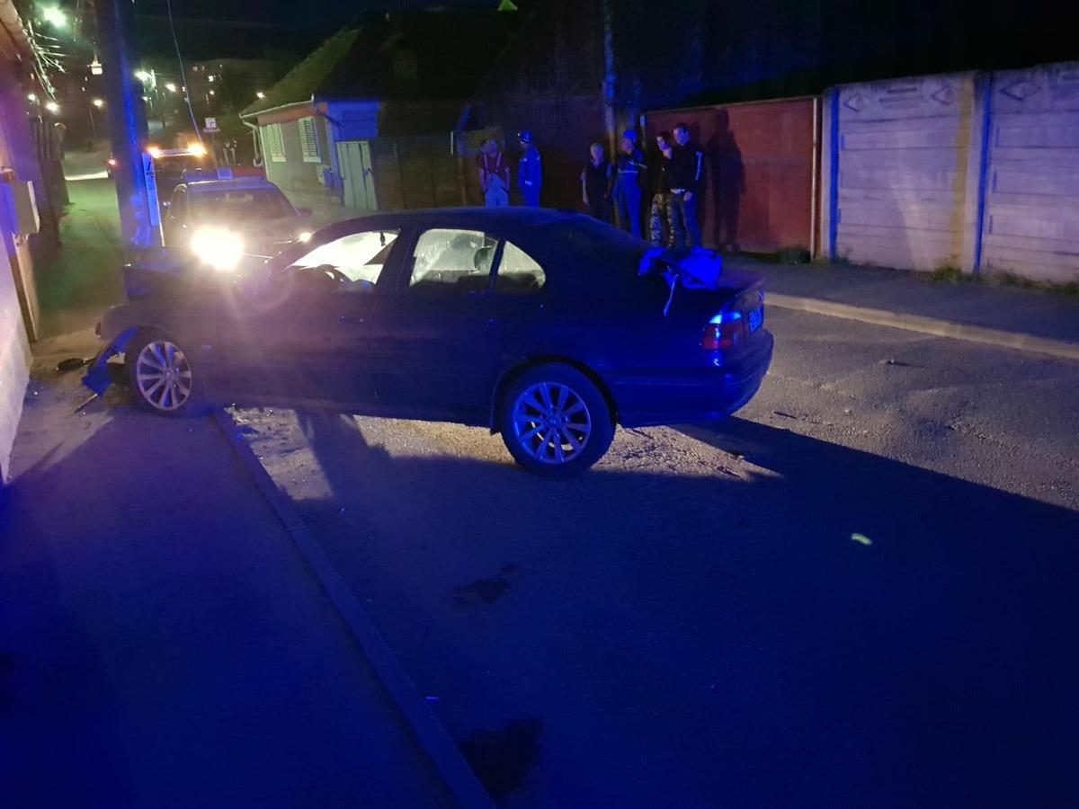 ACTUALIZARE. Două tinere, rănite într-un accident în Cisnădie. Cea însărcinată în luna a șaptea a avut entorsă la gleznă, iar cealaltă victimă traumatisme și contuzii