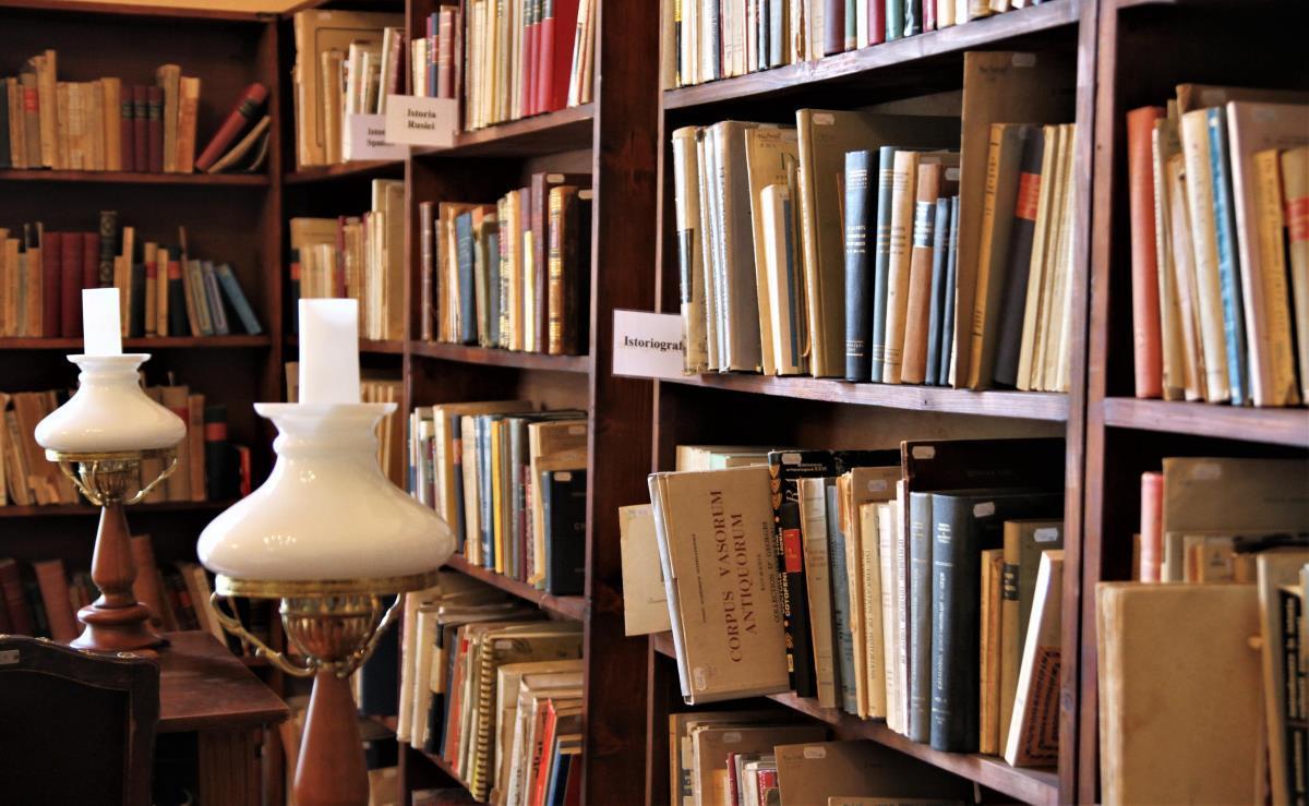 Biblioteca ASTRA informează: 24 aprilie, repere în timp