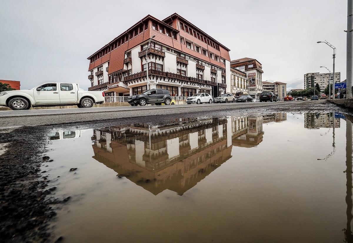 Lucrări în Piața Unirii și pe străzile Cibinului și Râului. Închidere de trafic pe șoseaua Alba Iulia în 19 mai