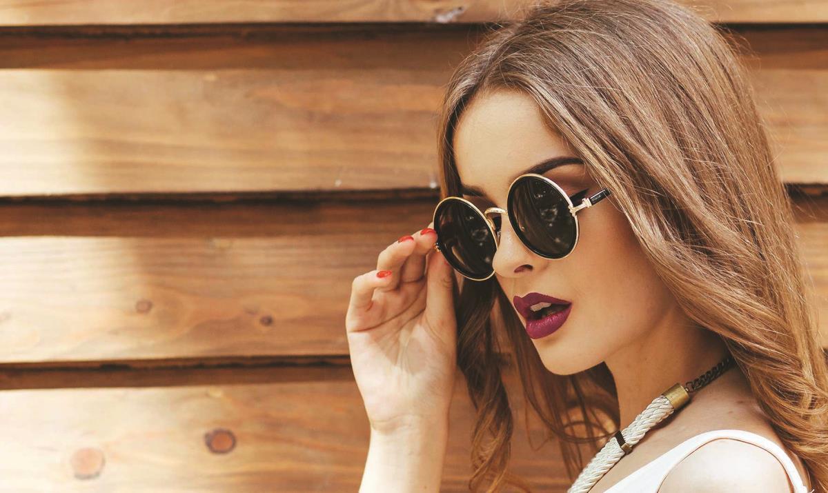 Ce ochelari de soare să alegeţi, în funcţie de forma feţei