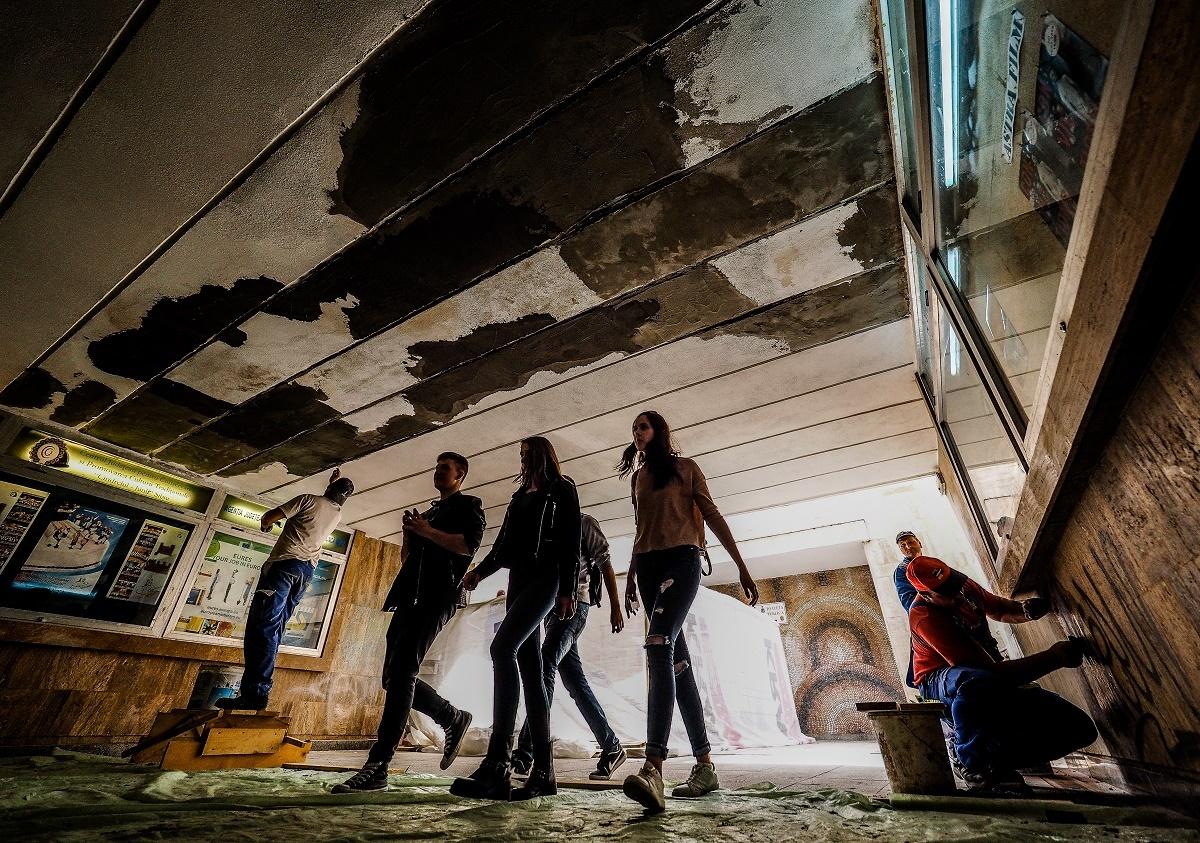 Primenire în centrul Sibiului! Mai cu ochii după fete, cu mâna pe trafalete ...