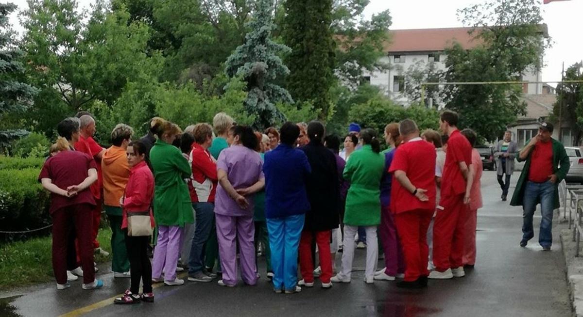 Protest spontan al angajaților Spitalului de Urgență Sibiu. Banii încasați sunt mai puțini