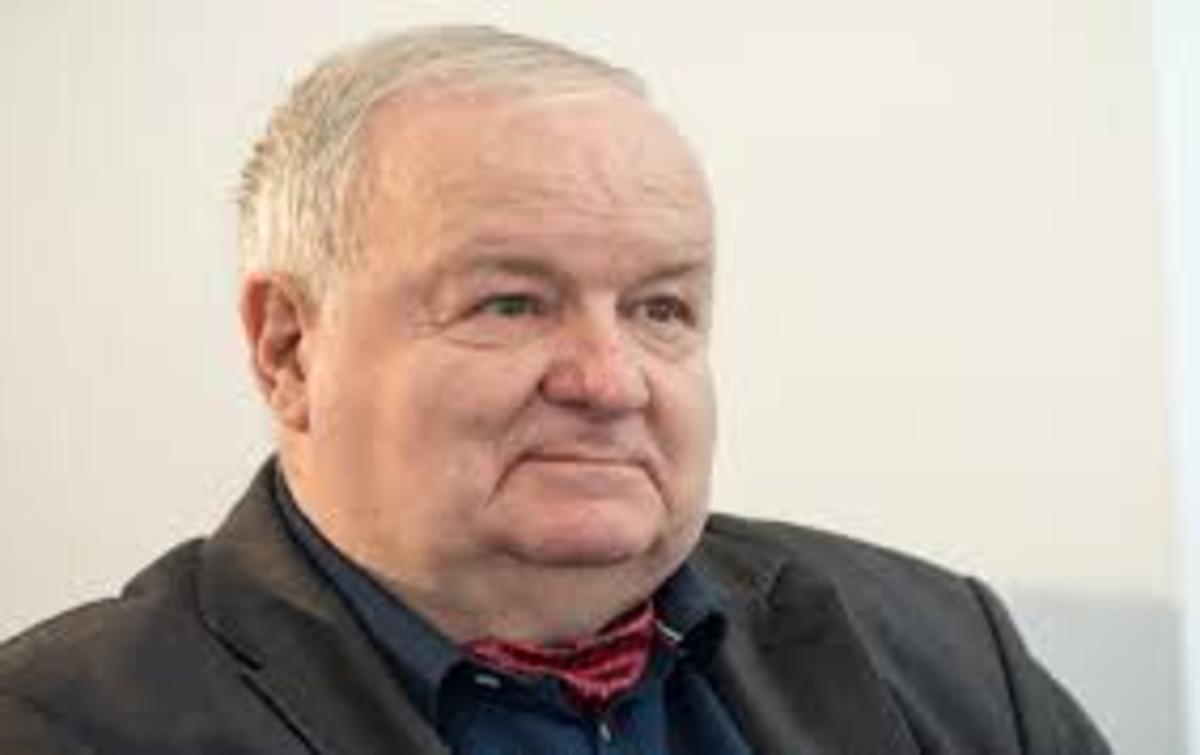 """Cristian Ţopescu a murit! Fostul mare comentator sportiv  avea 81 de ani. """"Vocea lui a rămas întipărită în mintea unui întreg popor"""""""