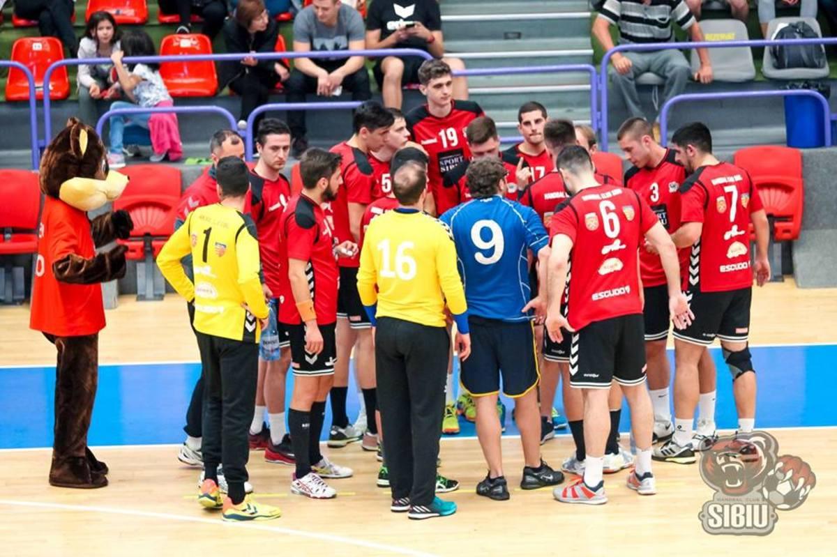 Înfrângere la o diferenţă de două goluri pentru HC Sibiu la Tg. Jiu