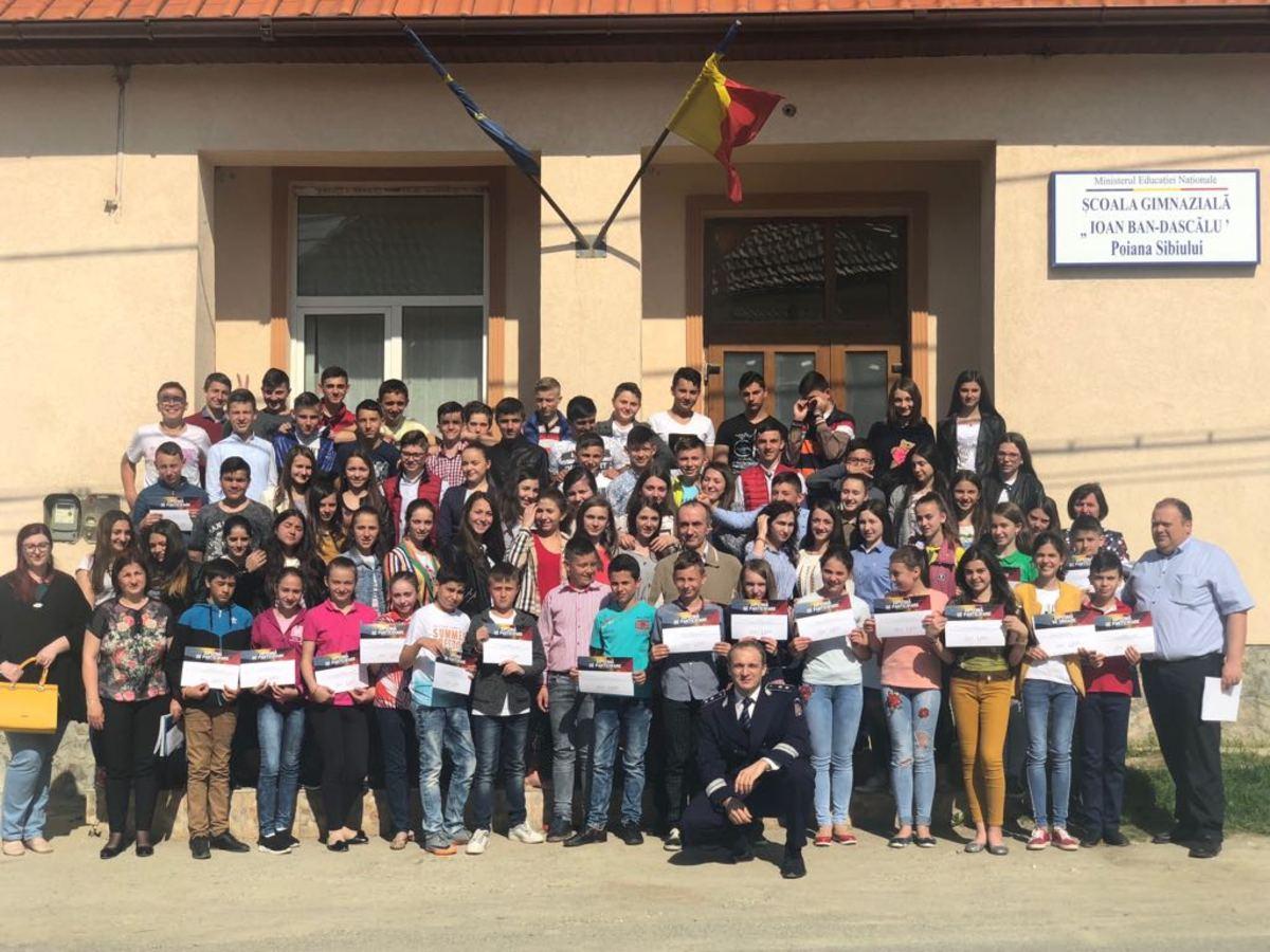 Aproximativ 600 de elevi au învățat de la polițiști cum să protejeze patrimoniul