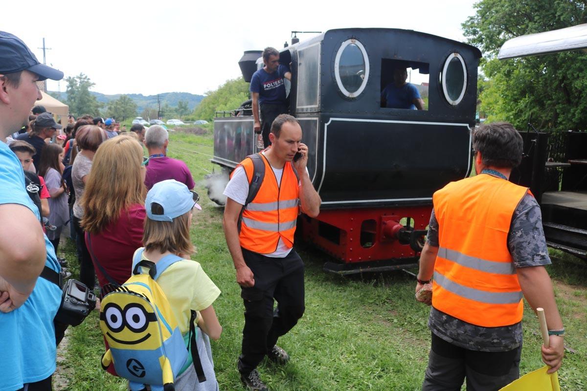 Câteva necazuri pentru organizatori şi multe bucurii pentru copiii care s-au plimbat cu Mocăniţa pe Valea Hârtibaciului