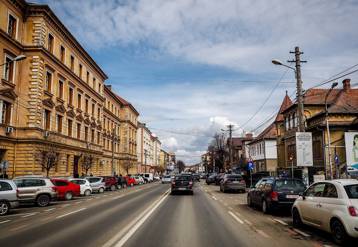 Reparaţii punctuale pe Calea Dumbrăvii. Ce pregăteşte Primăria Sibiu pe tronsonul dintre bulevardul Mihai Viteazu şi strada Ludoş
