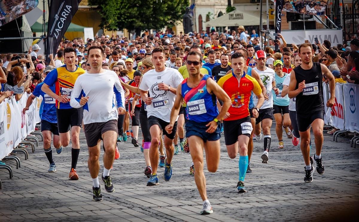Maratonul Internaţional Sibiu 2018. Livia Ognean, Constantin Necula, Radu Nechifor, Răzvan Pop şi peste 4.000 de alergători pentru cauze nobile!