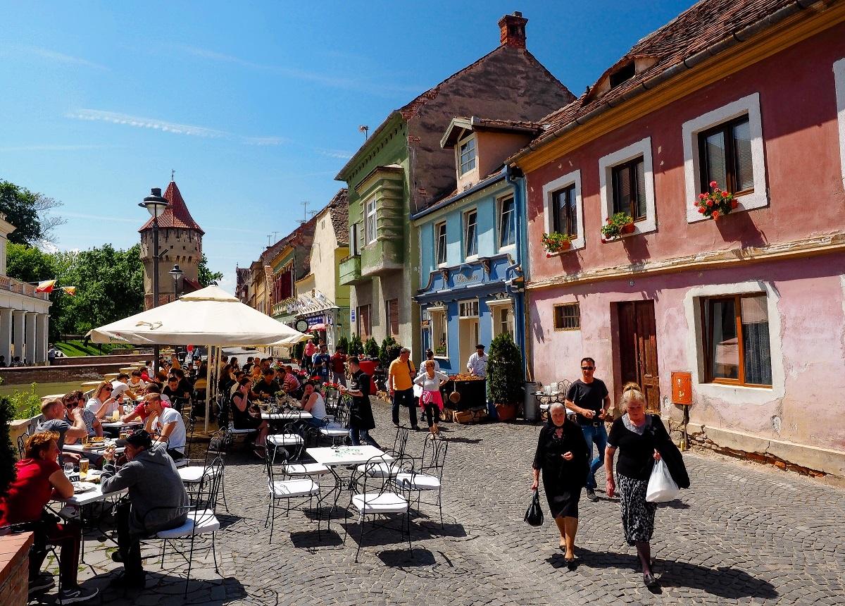 Furtuni şi temperaturi peste 30 de grade în Sibiu