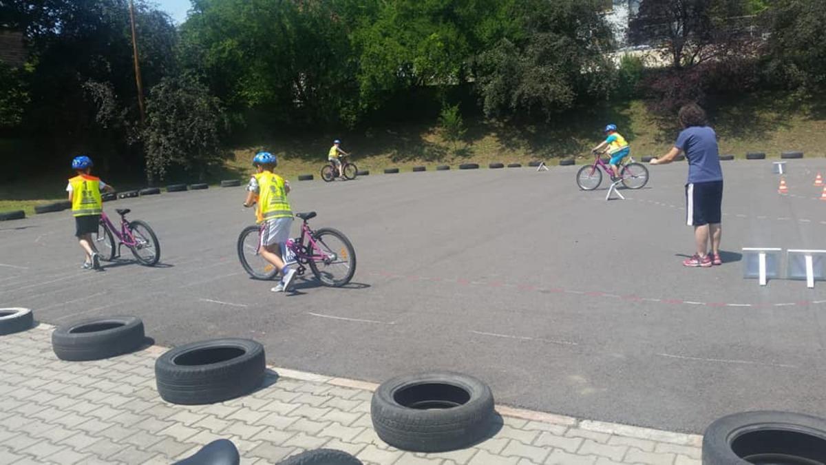 Școlarii din Mediaș au atestat de competențe în ciclism
