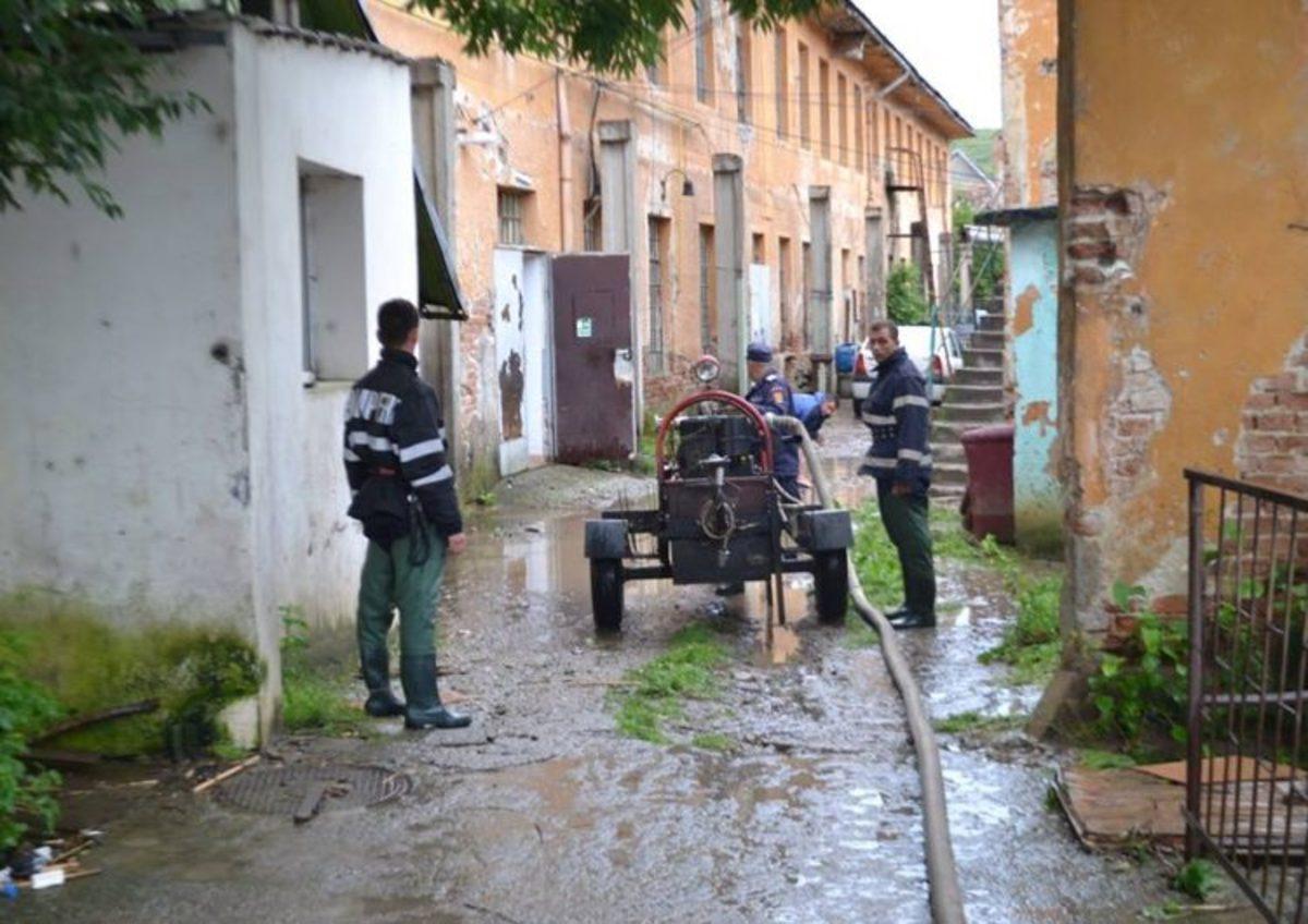 Ploaia de miercuri seara a făcut probleme în Sibiu