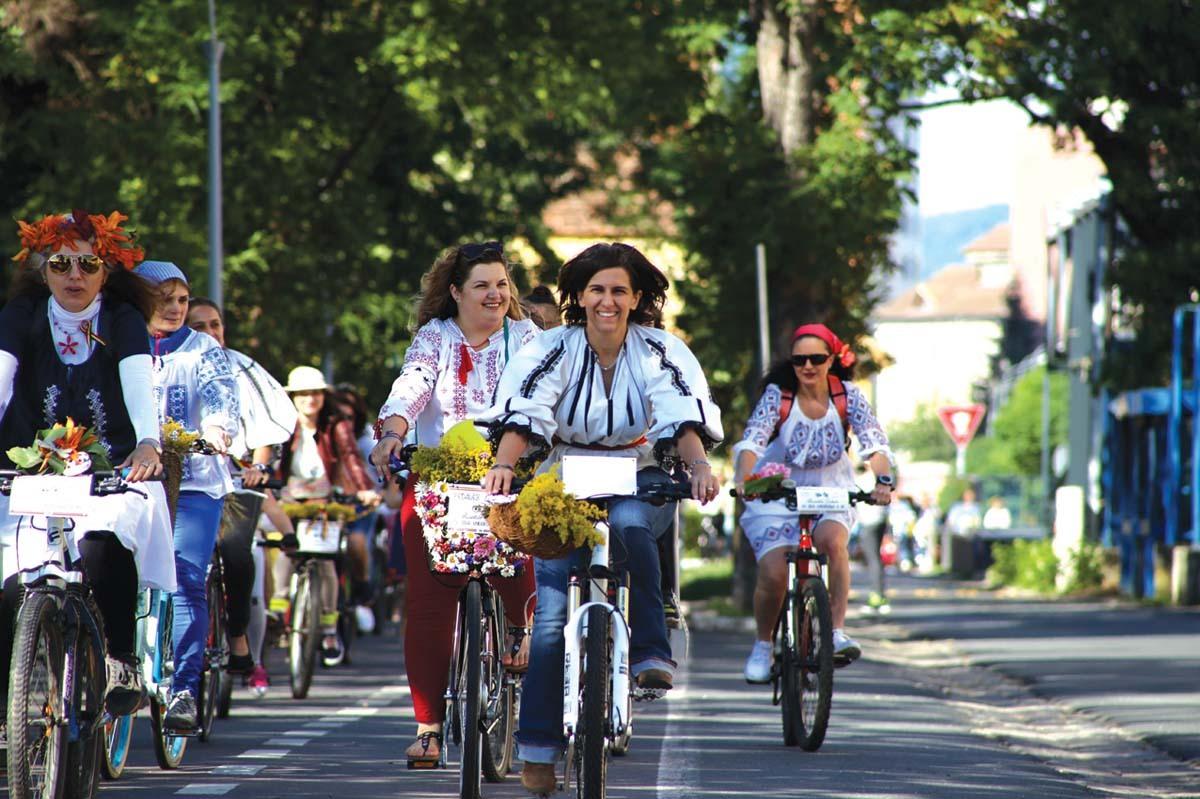 Ia, sărbătorită prin joc şi voie bună, la Sibiu