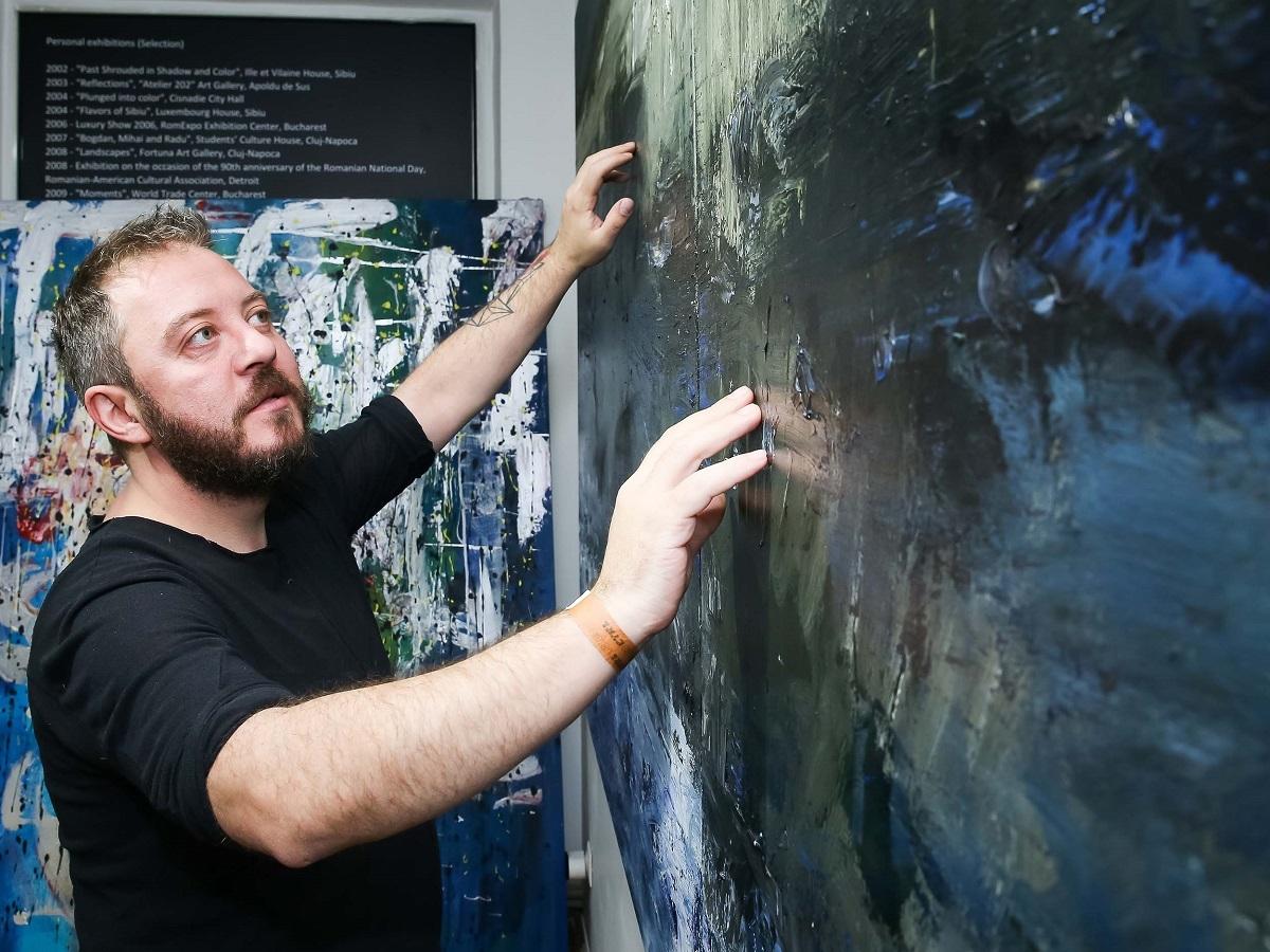 Cel mai în vogă artist plastic român la ora actuală - Bogdan Mihai Radu, vine acasă la Sibiu