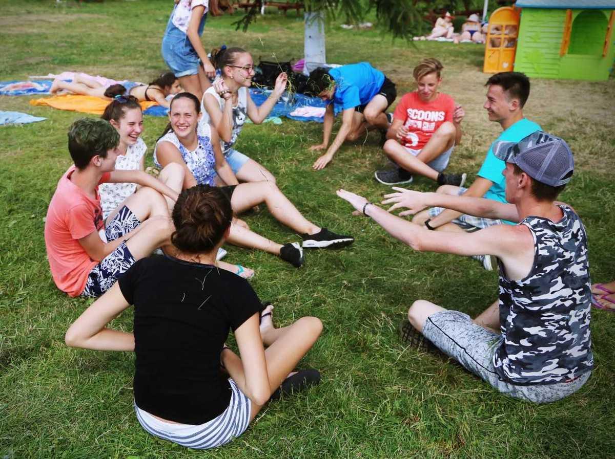 Tabără de Înot organizată de tinerii maghiari din Mediaș