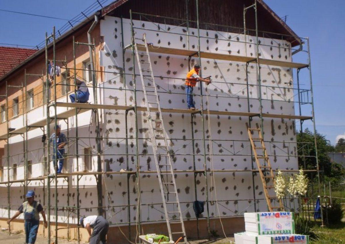 5 școli și grădinițe din Mediaș vor beneficia de lucrări în această vară