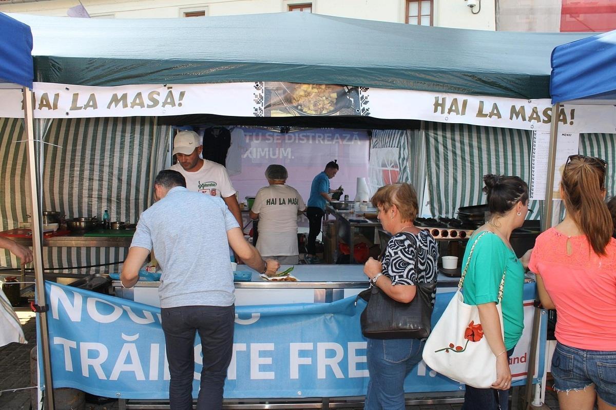 """""""Hai la masă! Reţete de mult uitate şi demonstraţii culinare"""", în Piaţa Mică, în weekend"""