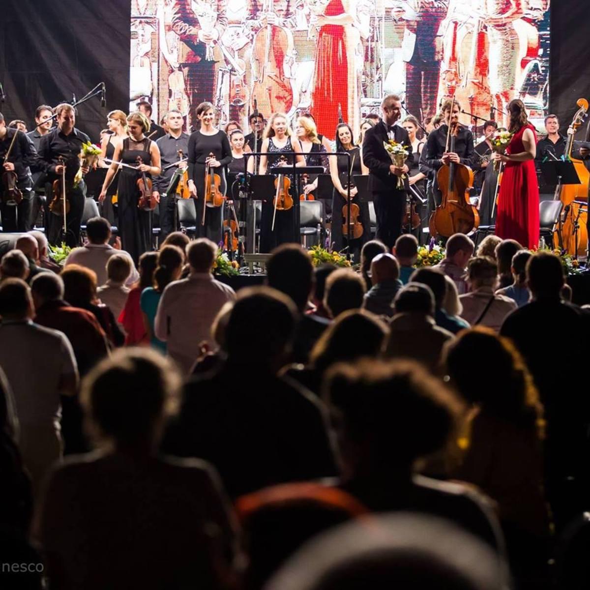 Peste 300 de artiști aduc muzica clasică în Piața Mare, în weekend