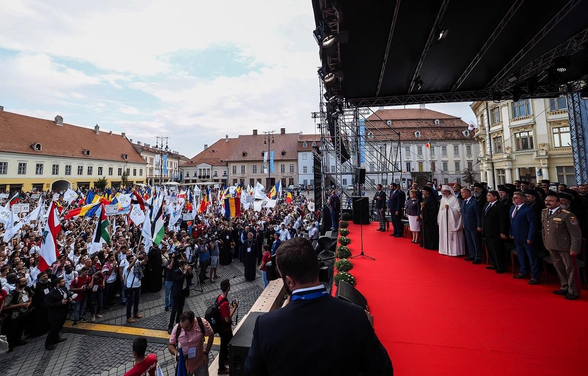 Sibiu, capitala tinerilor ortodocşi. Deschiderea ITO 2018: Unitatea, Credinţa şi Neamul au făcut spectacol în Piaţa Mare