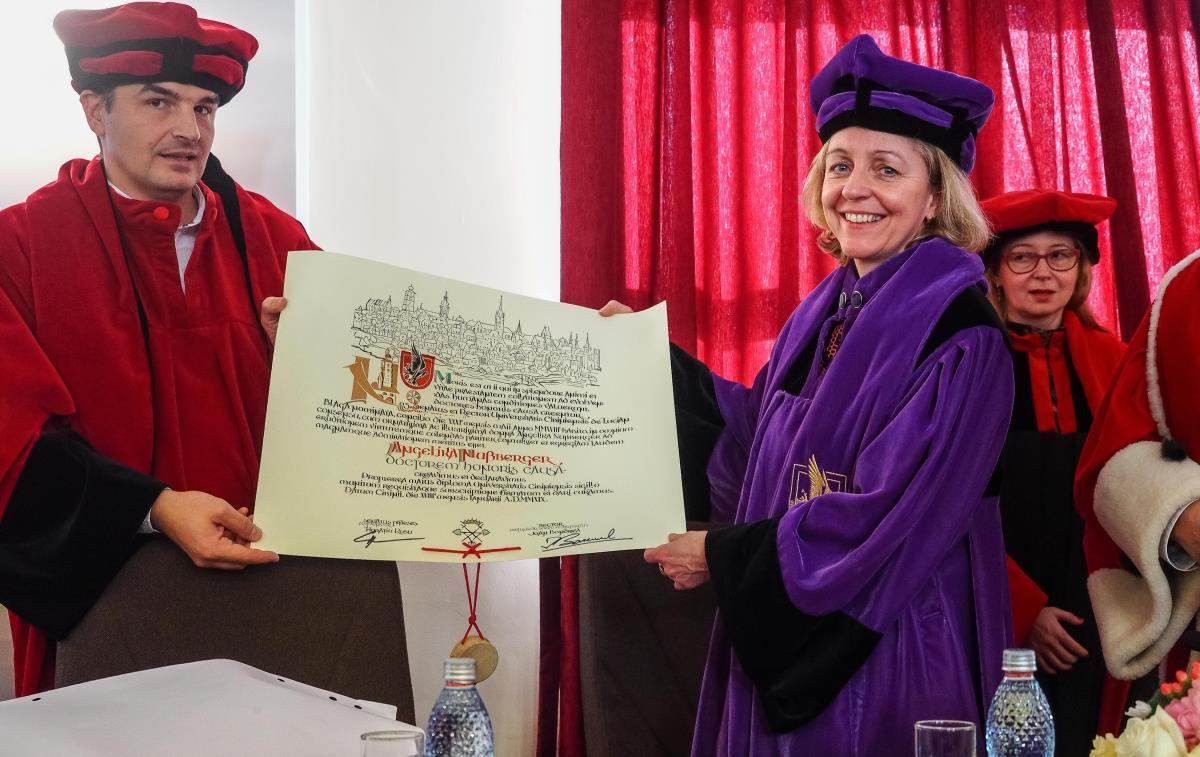 Angelika Nussberger a primit titlul de Doctor Honoris Causa al ULBS